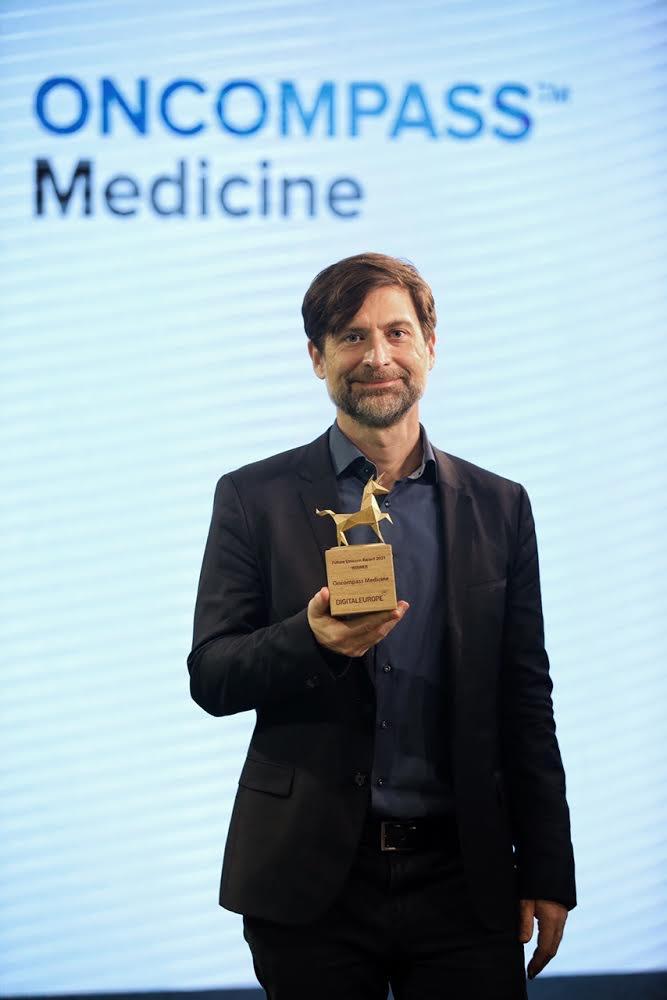 Peták István Oncompass Medicine Future Unicorn díj 2021
